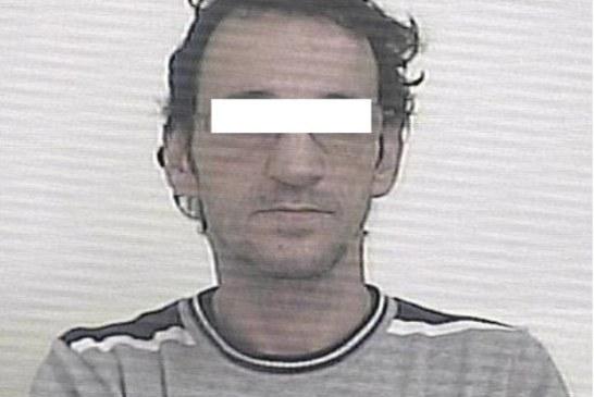 Sorpreso a rubare da una vettura in sosta, 42enne in carcere