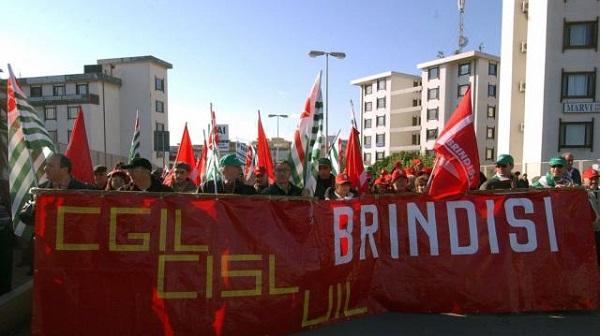 """""""Brindisi Taranto  una lieve ripresa, ma la disoccupazione giovanile al 60 per cento, è necessario dialogo sociale"""""""