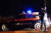 Sperona l'auto dei carabinieri per evitare i controlli, in manette 27enne, arrestata anche la madre per furto di energia