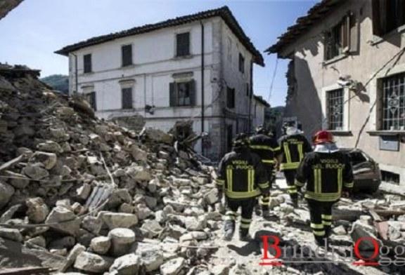 Sisma, 241 morti e 2500 sfollati: a Brindisi continua la raccolta dei beni