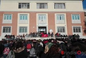 Alberghiero senza cucine, studenti in protesta: mercoledì incontro in Provincia