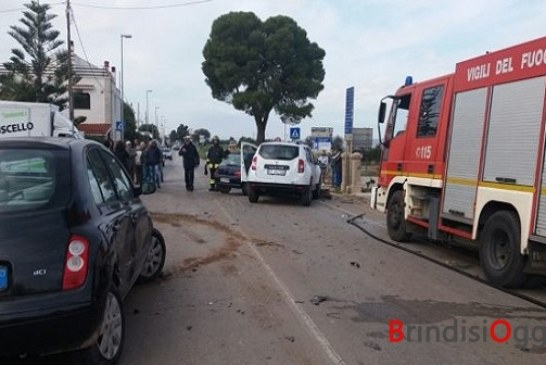 Incidente stradale, muore un uomo, tre feriti