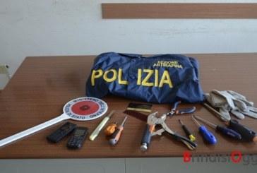 Fermati quattro stranieri in un condominio a Santa Chiara, avevano arnesi atti allo scasso