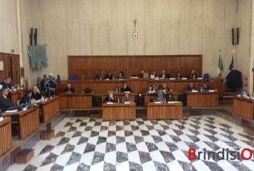 Approvata una Commissione speciale per la Tari, bocciate le mozioni su voucher e Fondazione Giannelli, ed è polemica