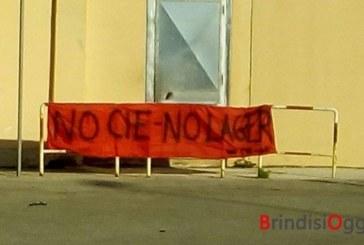 """Trans rinchiusa nel Cie, sit-in di protesta : """" Illegittimo ed incostituzionale"""""""