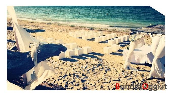 Matrimonio Spiaggia Brindisi : Matrimoni anche in masserie e in spiaggia il comune ripristina la