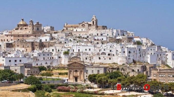 afa8564f79 BRINDISI- (Da Il7 Magazine) Boom di turisti stranieri nella provincia di  Brindisi, negli ultimi due anni cresce il numero delle presenze a  Carovigno, ...